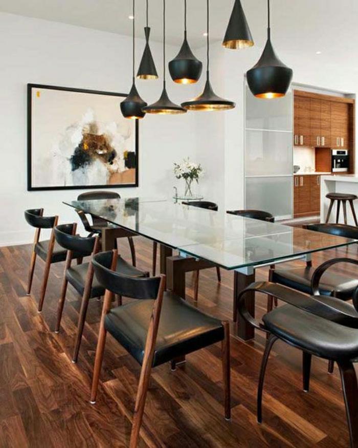 une-jolie-table-rectangulaire-en-verre-table-de-cuisine-en-verre-chaises-de-cuisine