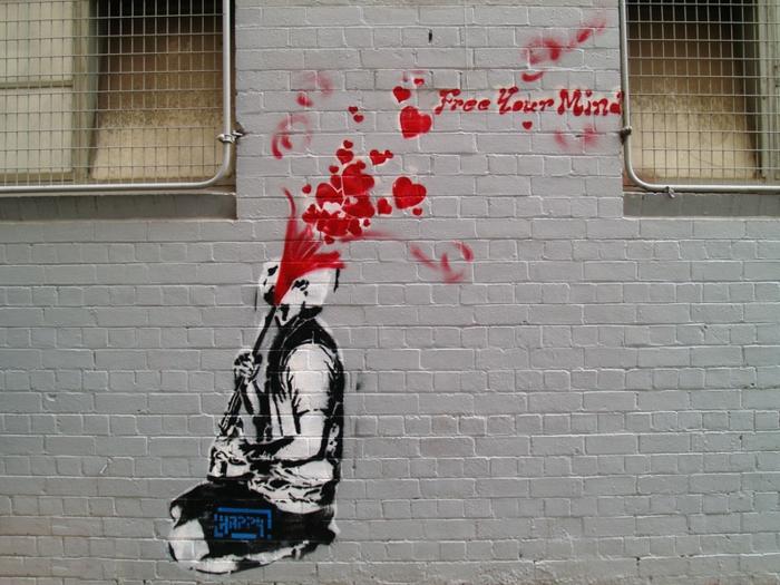 urban-street-art-paris-lyon-les-graffitis-pochoir-mural-street-art