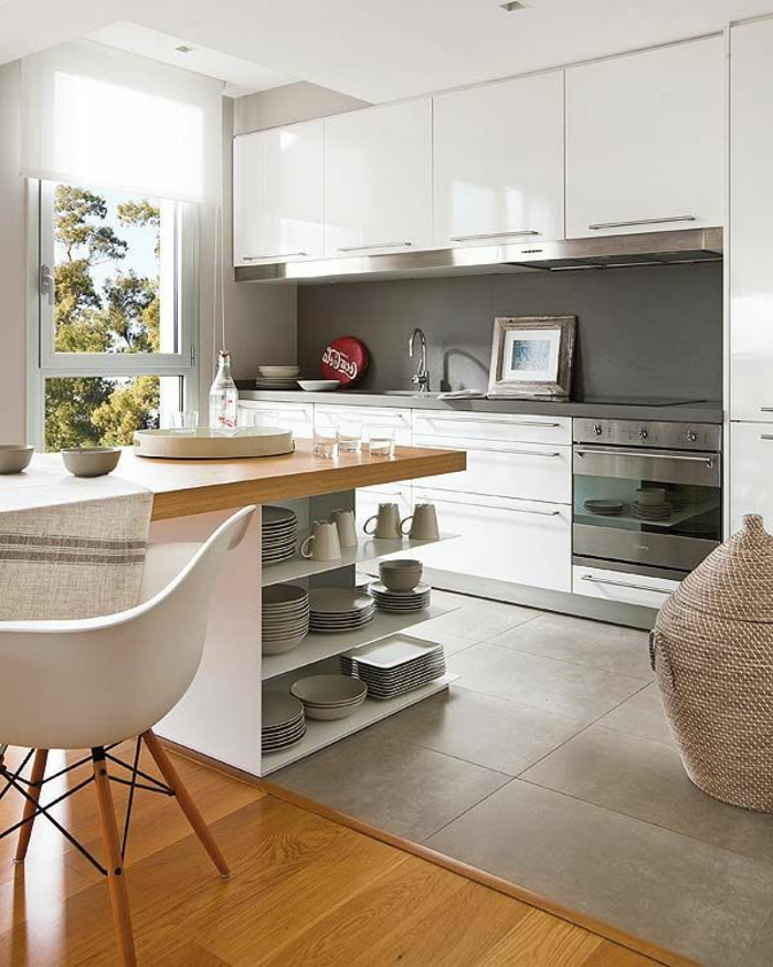 îlot-de-cuisine-avec-carrelage-gris-et-parquette-comment-aménager-une-cuiisne-avec-ilot