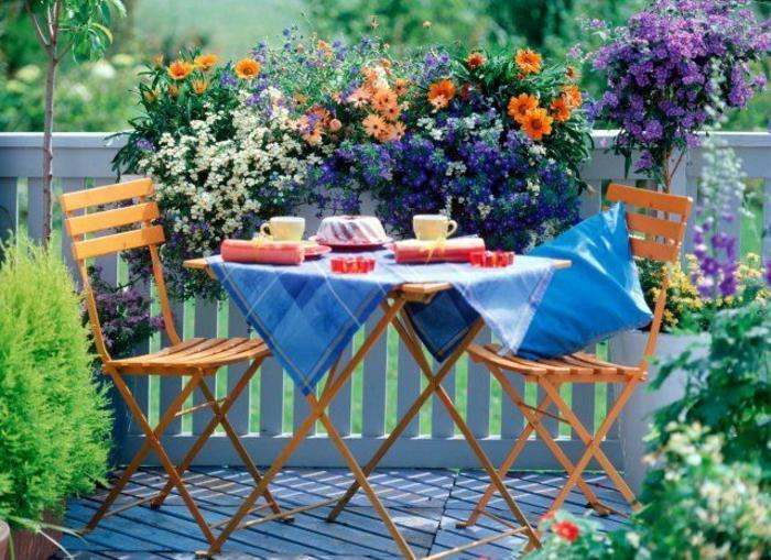 comment avoir un balcon fleuri id es en 50 photos. Black Bedroom Furniture Sets. Home Design Ideas