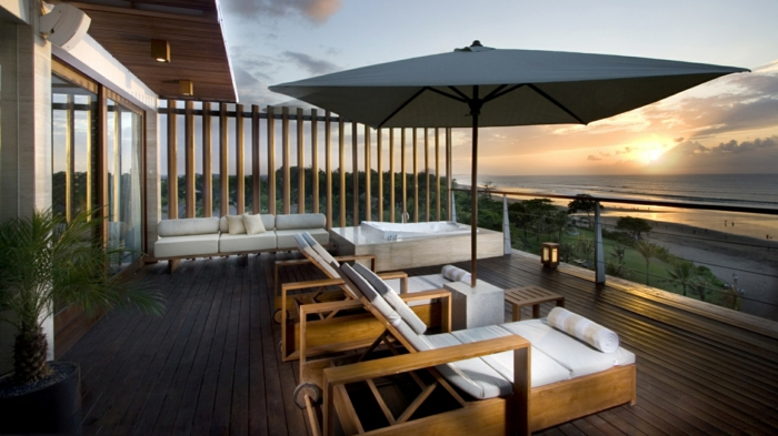 0-parasol-de-balcon-avec-la-plus-belle-vue-vers-la-mer-jardiland-parasol-pas-cher