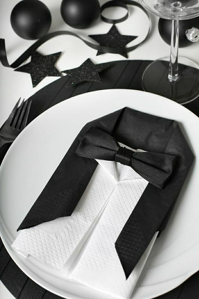 0-plaige-de-serviette-blanc-noir-pliage-papier-pliage-serviette-en-papier