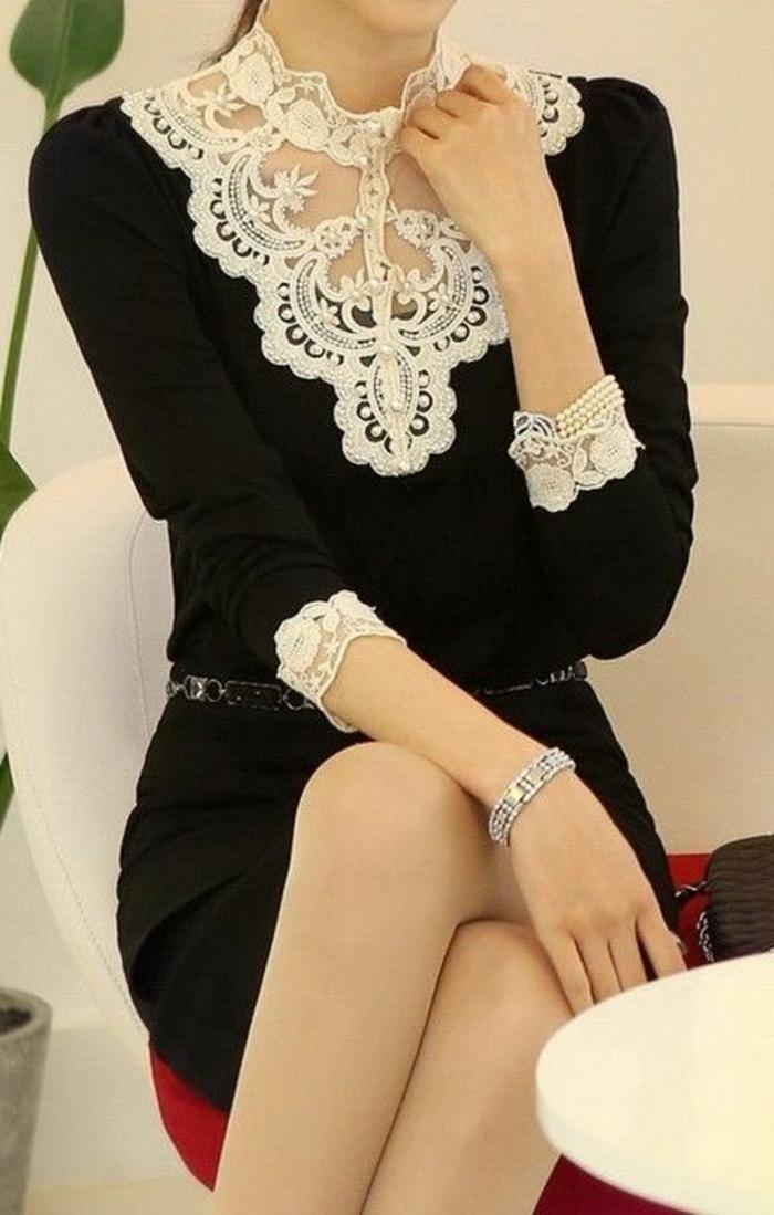 00-une-jolie-decolete-en-dentelle-blanche-et-une-robe-noire