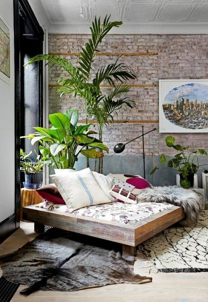 01-les-beaux-variantes-pour-un-tapis-shaggy-dans-le-salon-avec-murs-de-briques-et-plante-verte