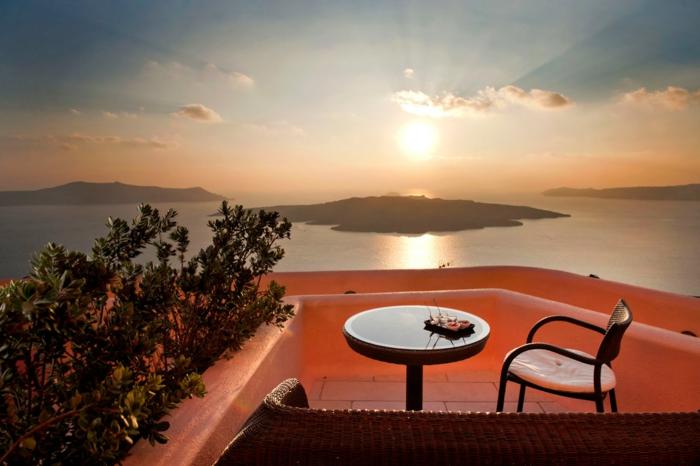 1-Les-plus-beaux-paysages-du-monde-avec-une-jolie-terrasse-pres-de-la-mer