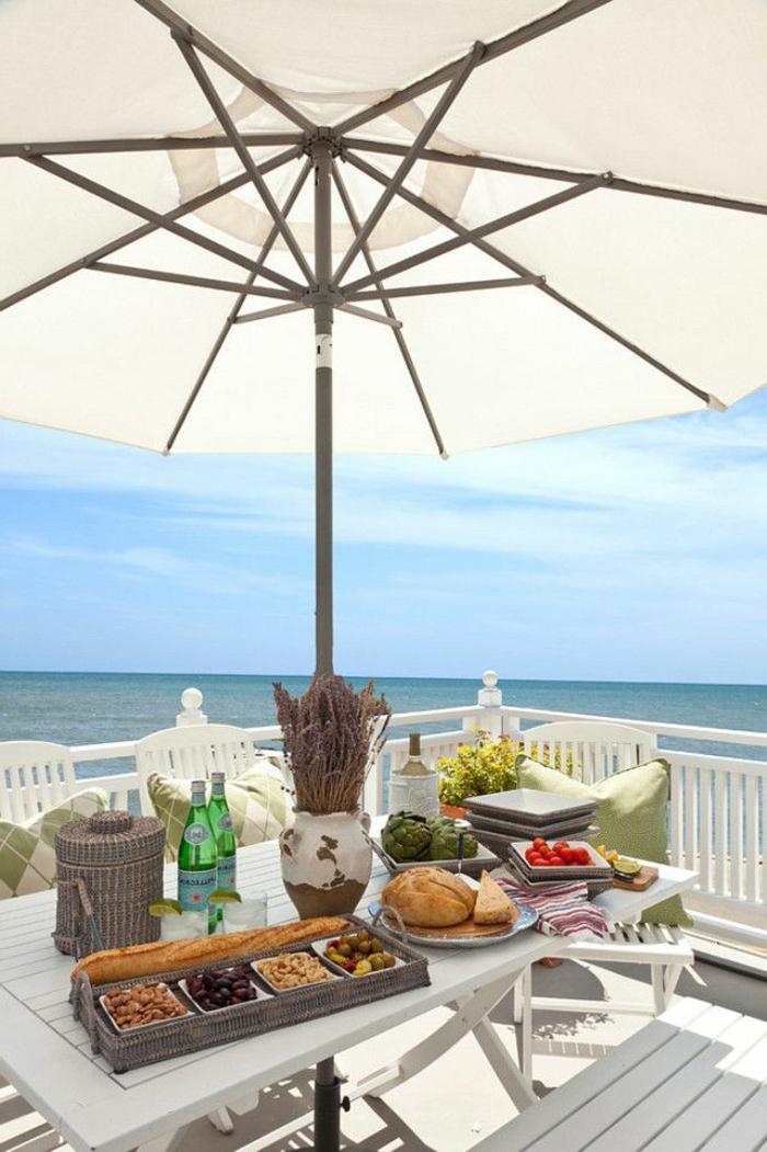 1-balcon-avec-parasol-d-extérieur-parasol-blanc-pour-le-balcon-d-extérieur