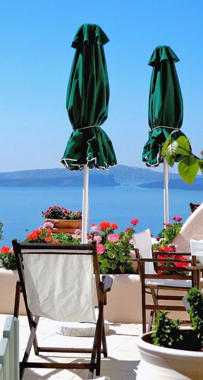 1-balcon-avec-parasol-d-extérieur-parasol-pour-la-terrasse-meubles-de-balcon-fleurs