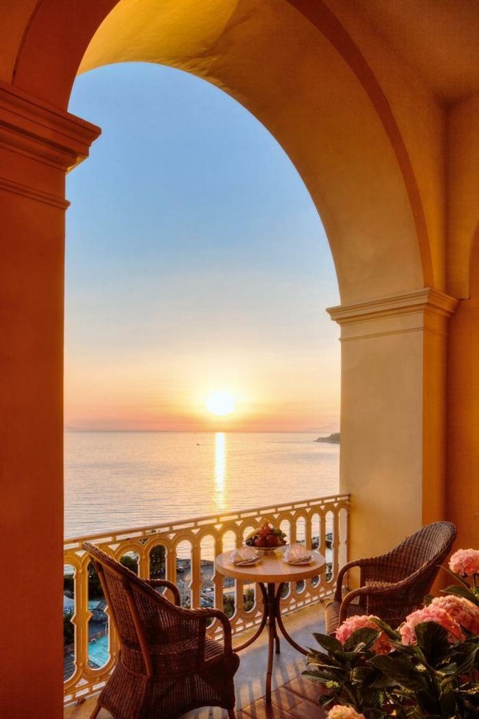 1-beau-paysage-depuis-votre-balcon-avec-une-magnifique-vue-da-la-coucher-de-soleil