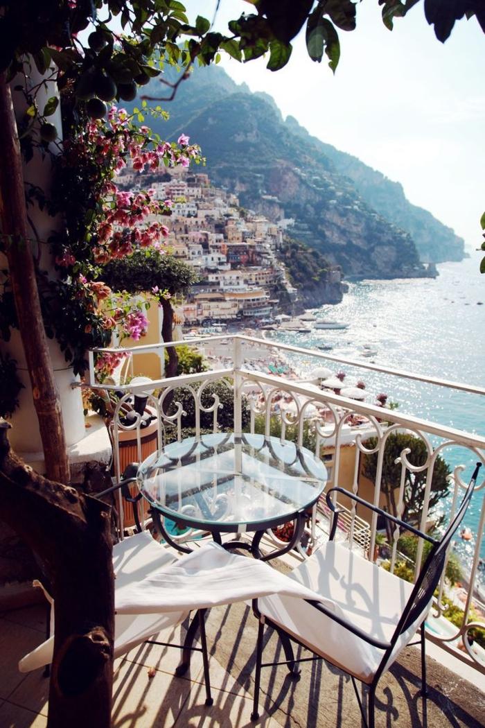 1-beau-paysage-depuis-votre-balcon-en-Greece-santorini-les-plus-beaux-paysages-du-monde