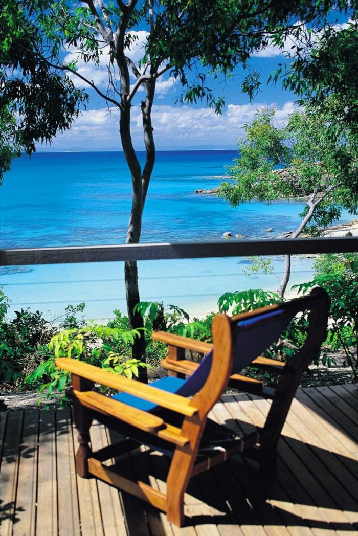 1-beau-paysage-depuis-votre-terrasse-avec-une-jolie-vue-vers-la-mer
