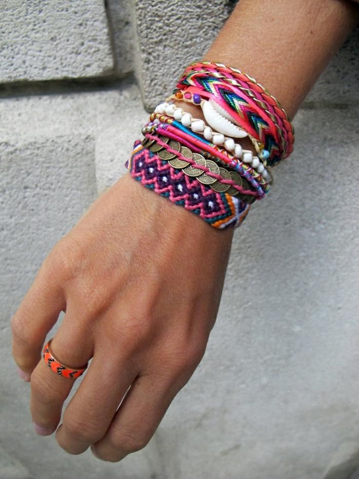 1-bracelets-brésilien-prénom-comment-faire-un-bracelet-brésilien-coloré-idée-DIY