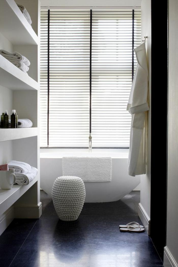 Les stores v nitiens en 50 photos - Les plus belle salle deau avec baignoire ...