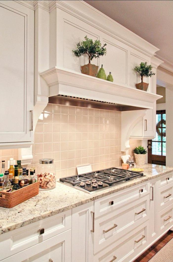 1-crédence-castorama-dans-la-cusine-meubles-blancs-credence-en-marbre-meubles-de-cuisine