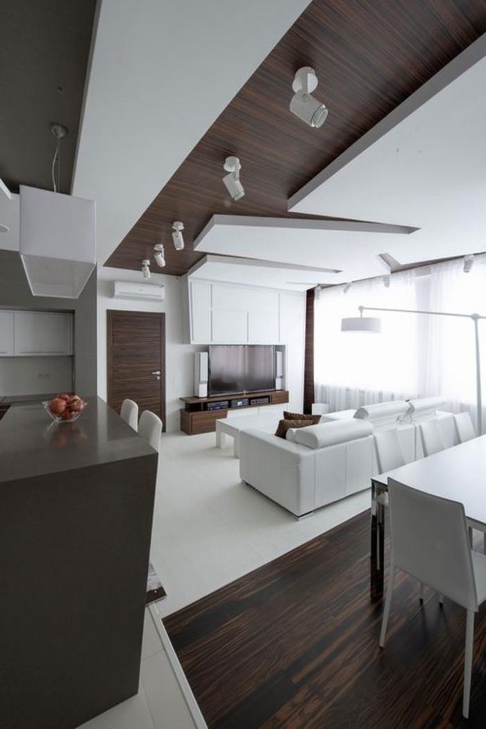 1-faire-un-faux-plafond-salle-de-séJour-en-bois-foncé-meubles-blancs-sol-en-parquette-foncé
