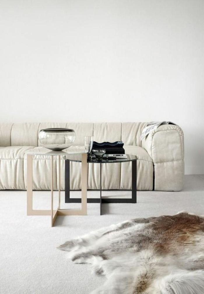 1-fauteuil-gonflable-intex-de-couleur-beige-pour-le-salon-de-couleur-taupe-tapis-de-salon