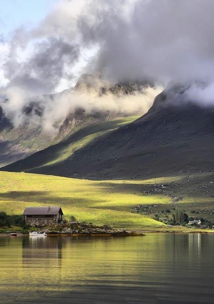 1-les-plus-beaux-fonds-d-écran-paysage-au-bord-du-lac-et-une-maison-champetre