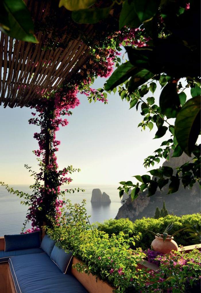 d couvrir le plus beau paysage depuis le balcon en photos. Black Bedroom Furniture Sets. Home Design Ideas
