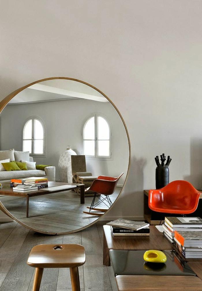 1-miroir-décoratif-miroir-rond-ikea-meubles-dans-le-salon-chaise-rouge-en-plastique