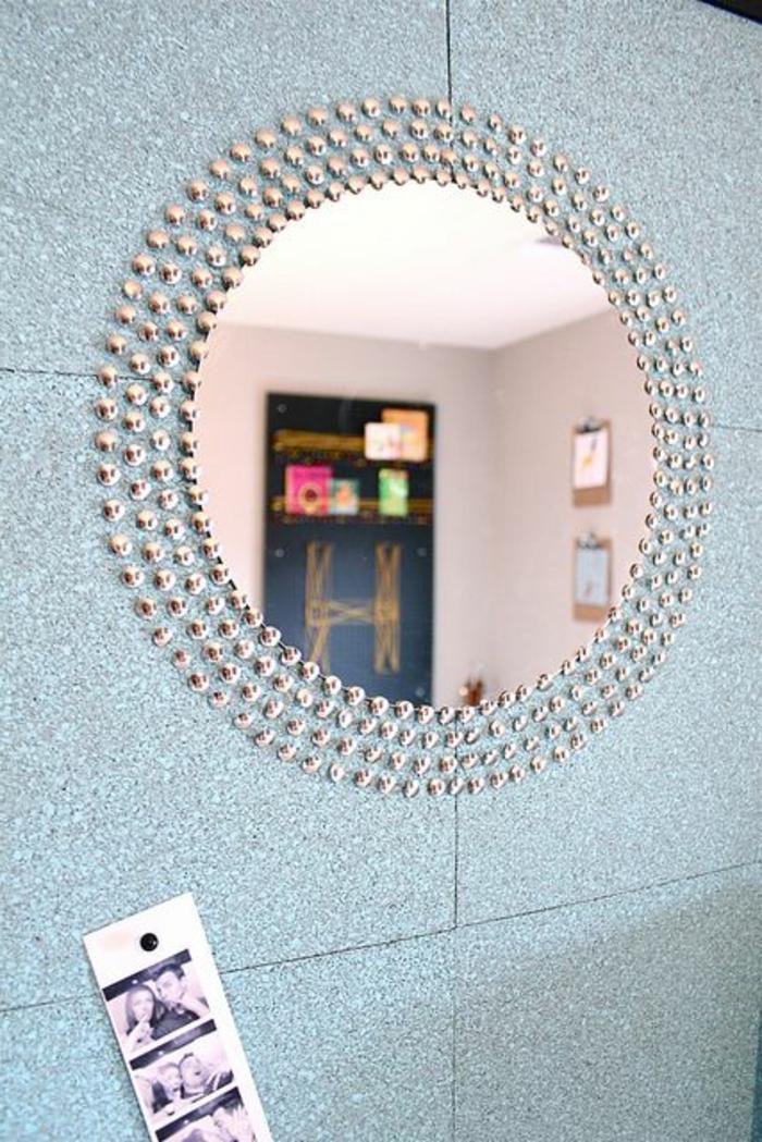 1-miroir-décoratif-miroir-rond-ikea-meubles-ikea-pas-cher-mur-de-carrelage-bleur