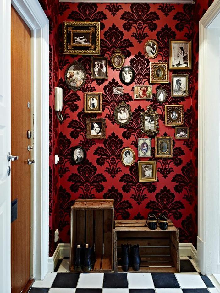 1-papier-peint-intissé-rouge-à-motifs-noirs-couloir-avec-papier-peint-intisse-castorama
