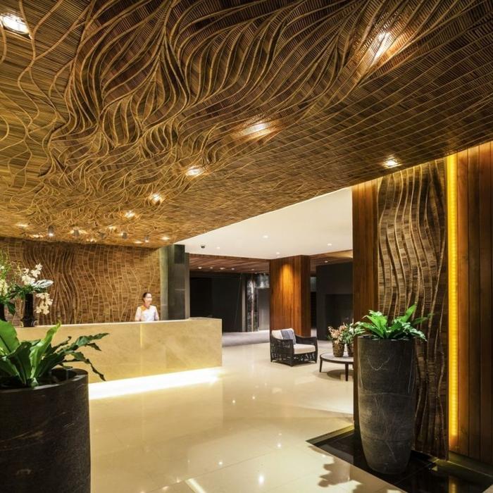 1-plafond-suspendu-placo-hotel-de-luxe-reception-dalle-plafond-suspendu