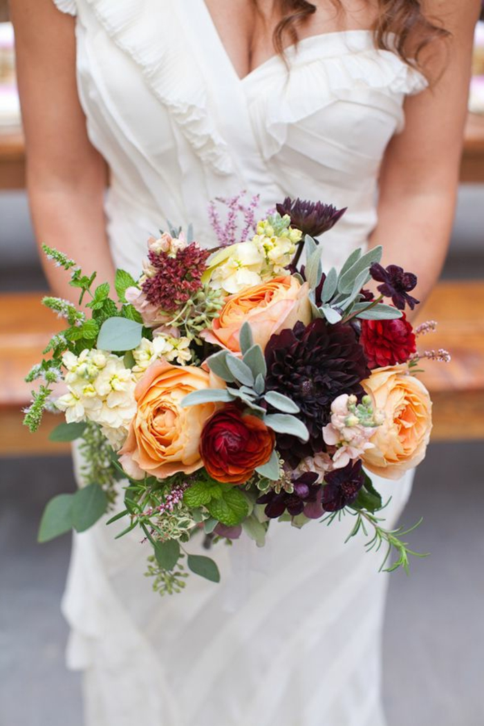 1-signification-des-roses-bouquet-de-mariée-roses-magnifique-bouquet-de-fleurs-pour-mariage-jolie-idee