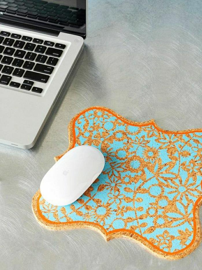 n vous pr sent le tapis de souris personnalis en photos. Black Bedroom Furniture Sets. Home Design Ideas