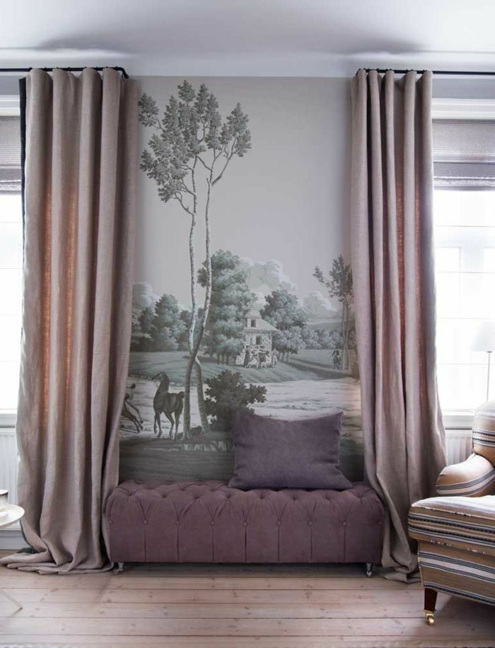 1-tapisserie-leroy-merlin-canapé-violet-dans-le-salon-moderne-rideaux-longs-de-couleur-violet