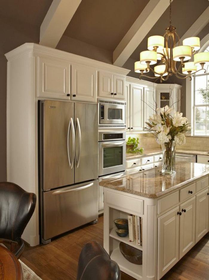 1-un-joli-îlot-de-cuisine-blanc-dans-la-cuisine-de-style-élégant-comment-la-aménager
