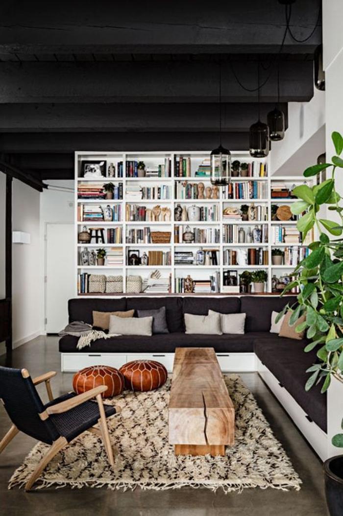 1-un-joli-tapis-alinea-de-couleur-beige-et-sol-en-lino-gris-dans-le-salon-avec-un-canapé-d-angle
