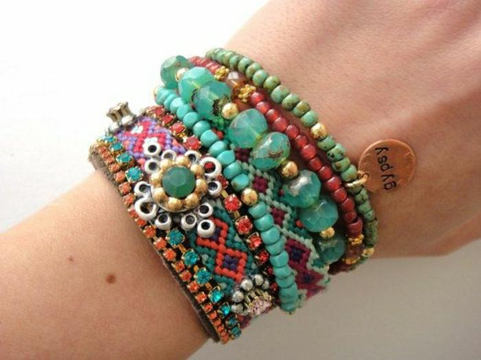2-bracelets-brésiliens-modèle-coloré-bijoux-de-filles-bijoux-de-plage-colorés
