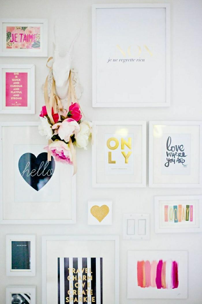 2-une-idée-magnifique-pour-comment-décorer-les-murs-blancs-deco-chambre-adulte-avec-peinture-décorative