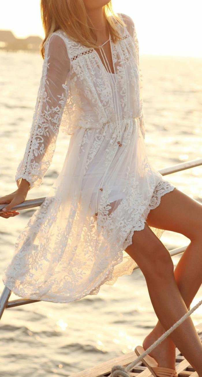 5-dentelle-robe-blanche-en-courte-dentelle-au-bord-de-la-mer-bord-de-mer