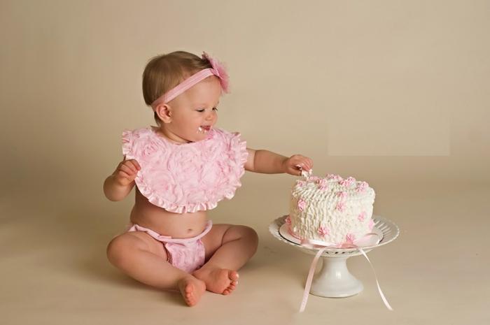 Déco-gateau-anniversaire-enfant-disney-recette-gateau-anniversaire-fille-1-an-votre-petite-fille-deviens-1-an-avoir-un-an