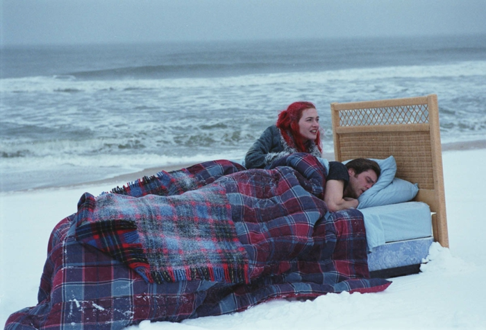 Eternal-Sunshine-of-the-Spotless-Mind-meilleurs-films-romantiques-la-mer-resized