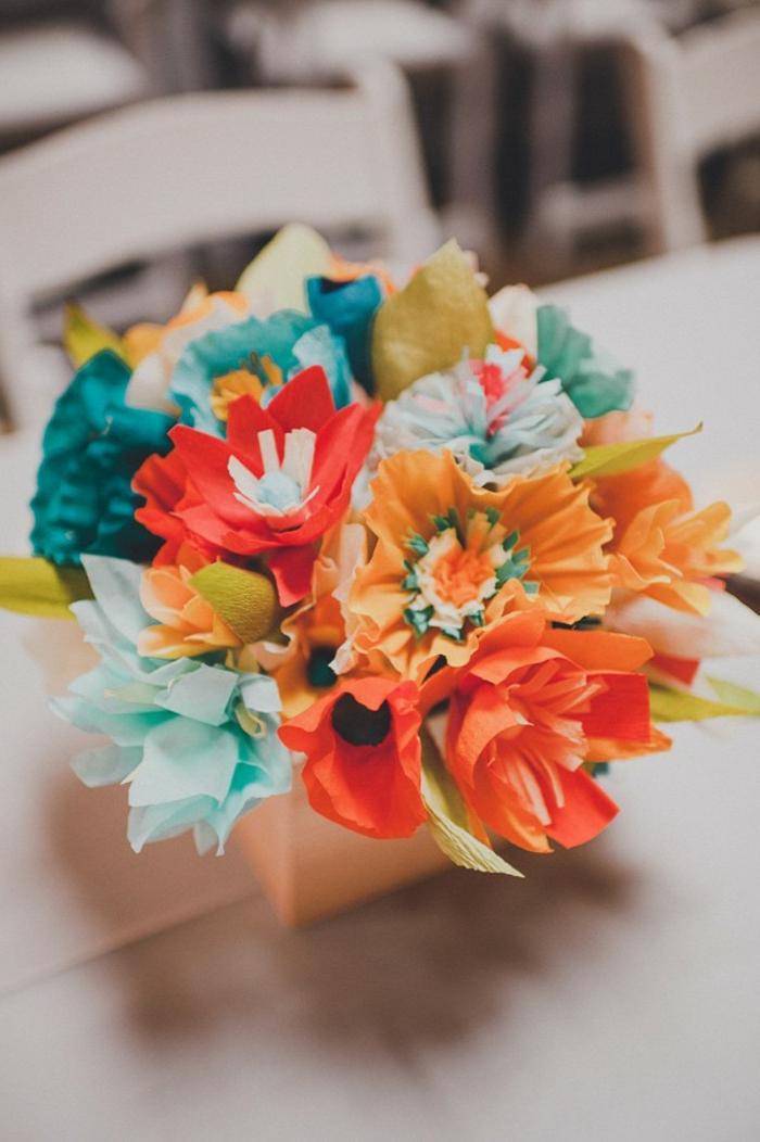 Idée-omment-faire-une-fleur-en-papier-crepon-fleur-bouquet-automne