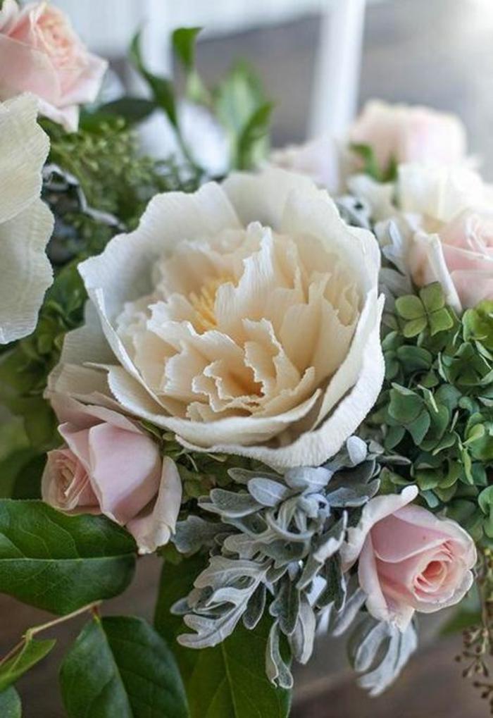 La-fleur-papier-crepon-diy-idée-créative-décoration-fleurs-de-maiage-bouquet-de-mariée-papier