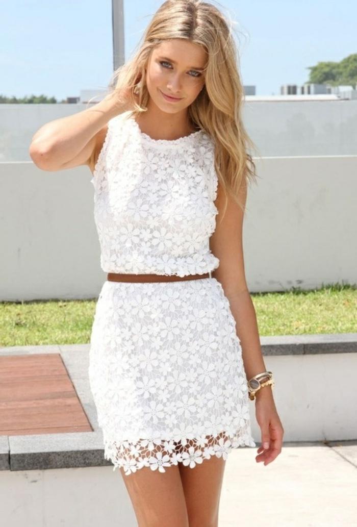La-robe-blanche-dentelle-robe-de-soirée-dentelle-femme-blonde