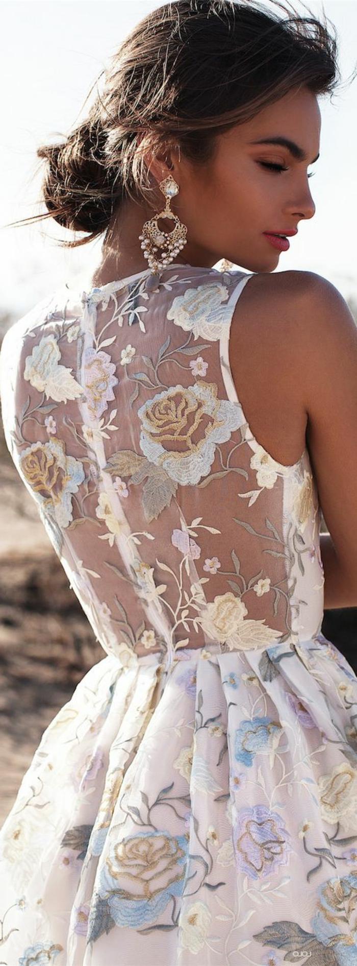 La-robe-blanche-dentelle-robe-de-soirée-dentelle-fleurs-colorés