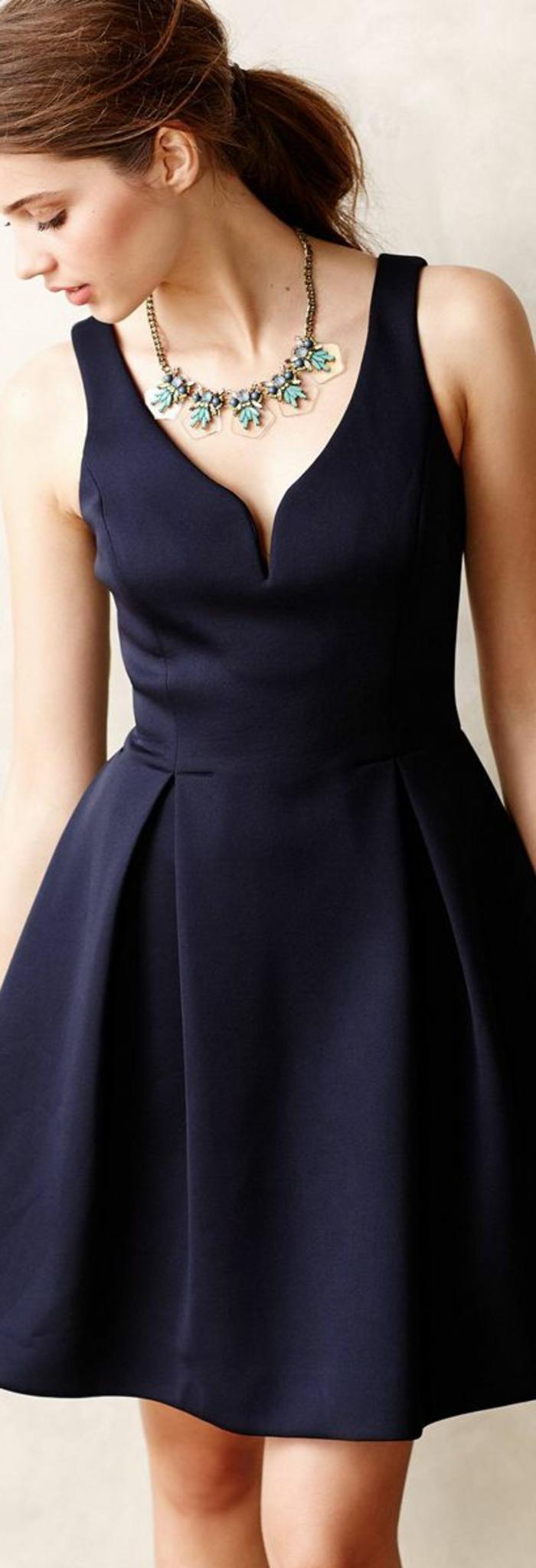 La-robe-fiancaille-idée-jolie-robe-de-fiançailles-mariage-noir-courte-elegante-accessoires