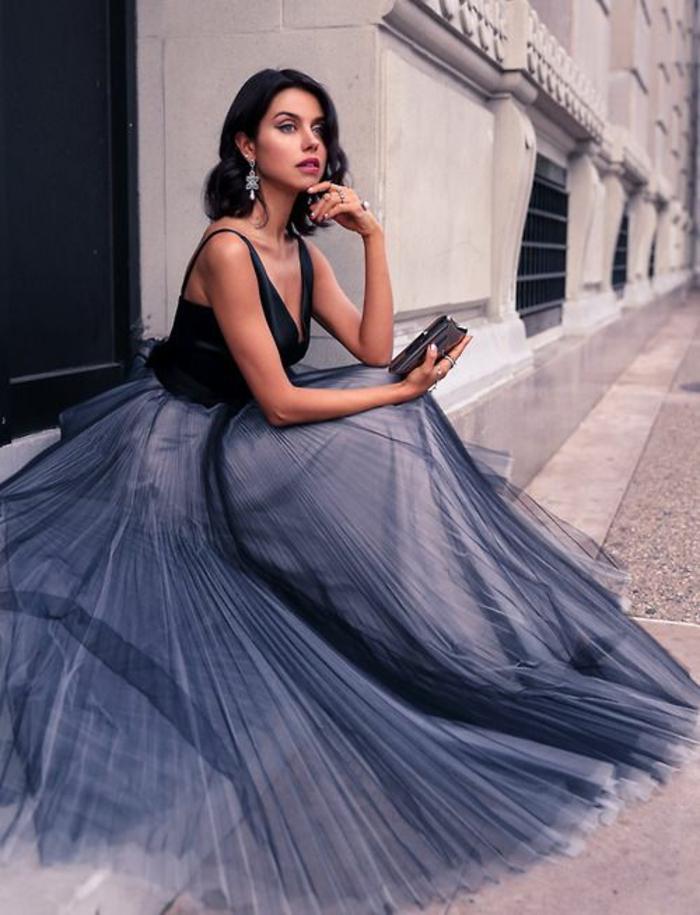 La-robe-habillée-longue-chique-idée-tenue-de-soirée-longue-bleue