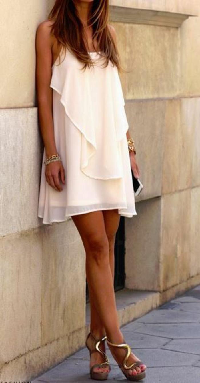 Robe-habillée-pour-évenement-pendant-la-journée-blanche-resized