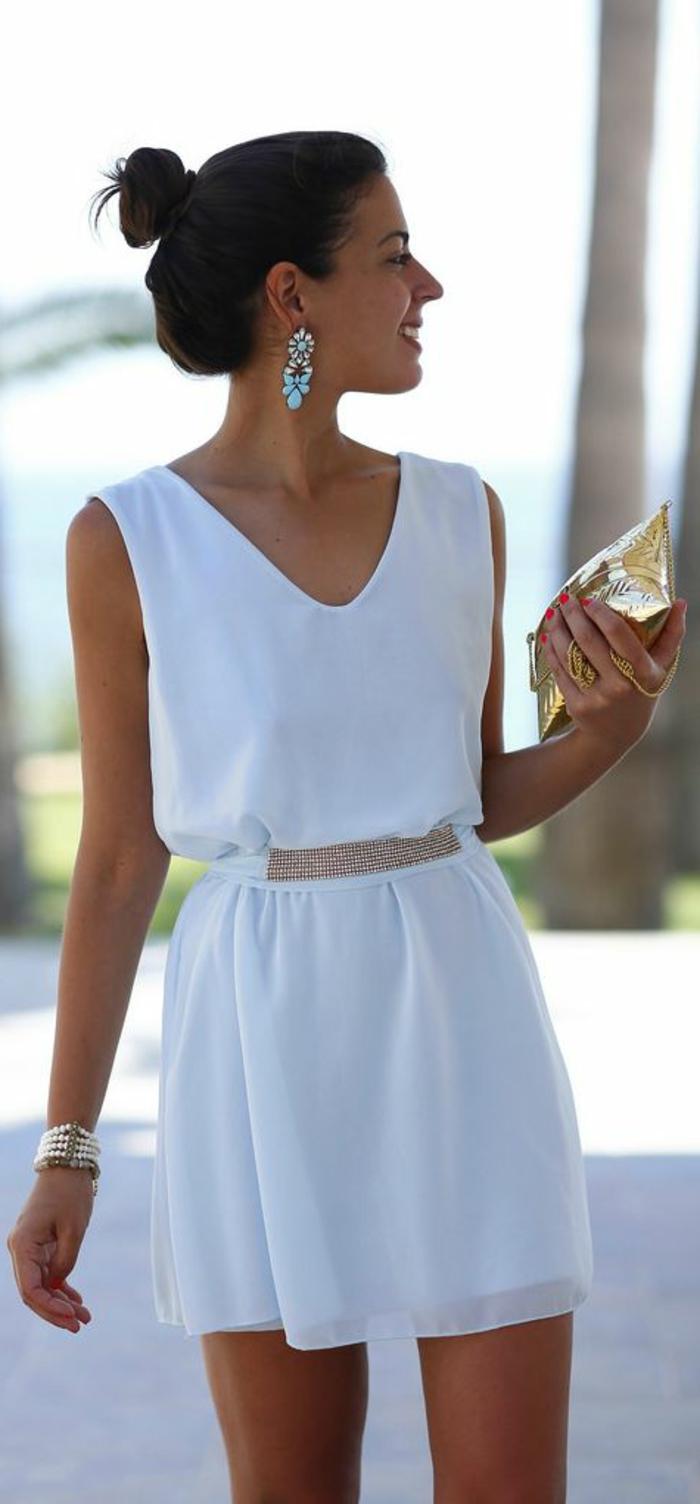 Robe de plage blanche courte
