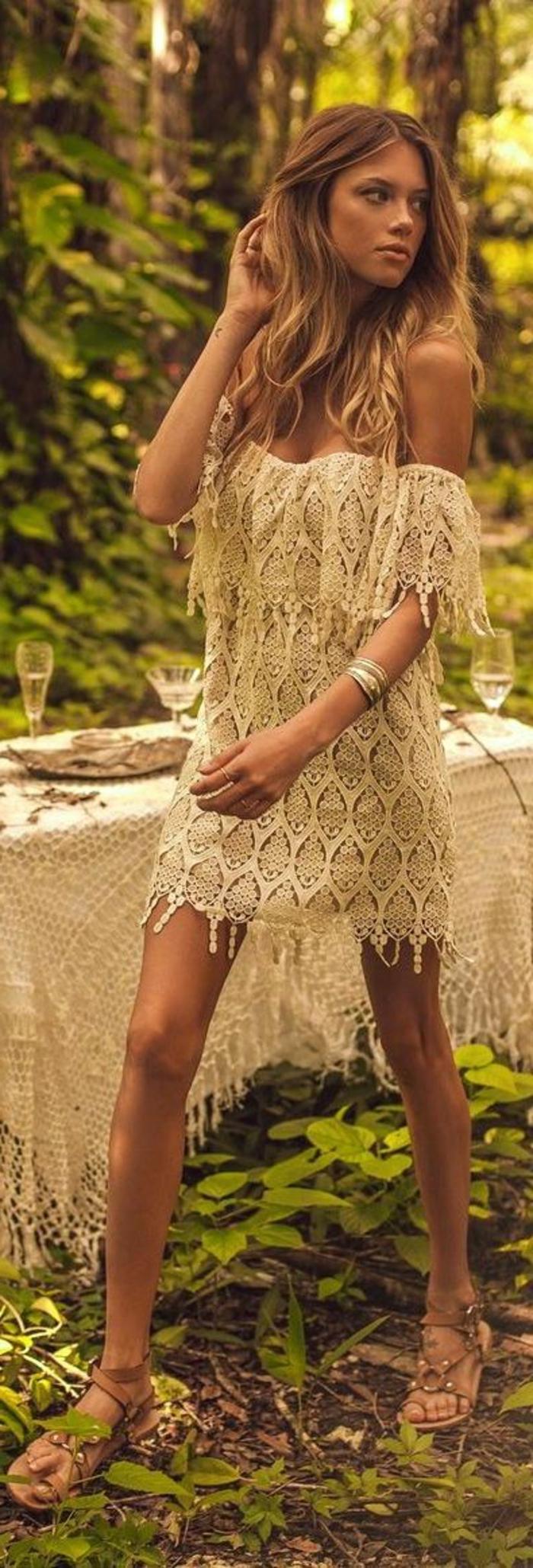 Une-robe-dentelle-blanche-belle-idée-tenue-été-automne-belle