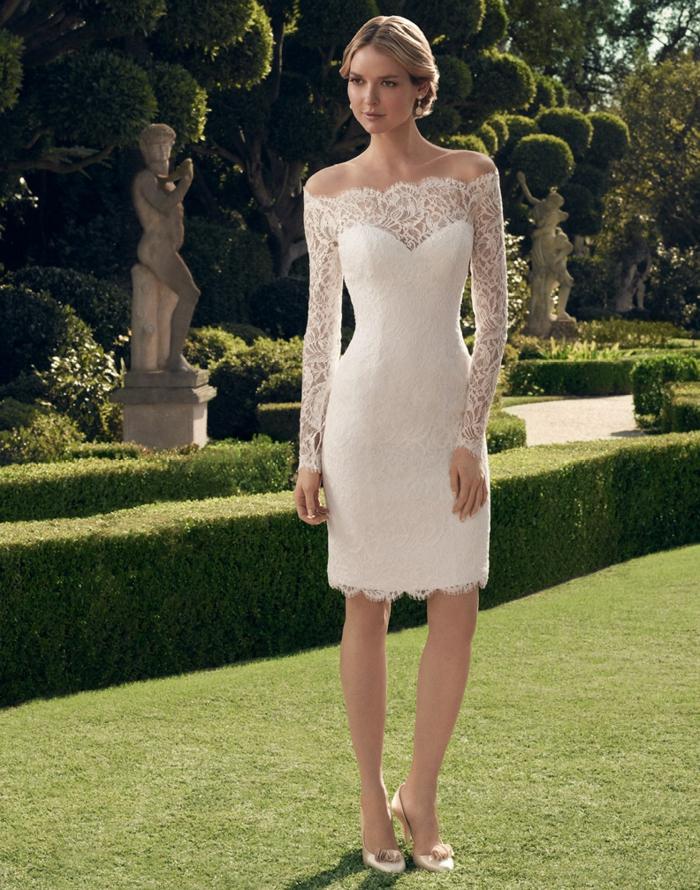 Une-robe-dentelle-blanche-belle-idée-tenue-été-automne-mariage