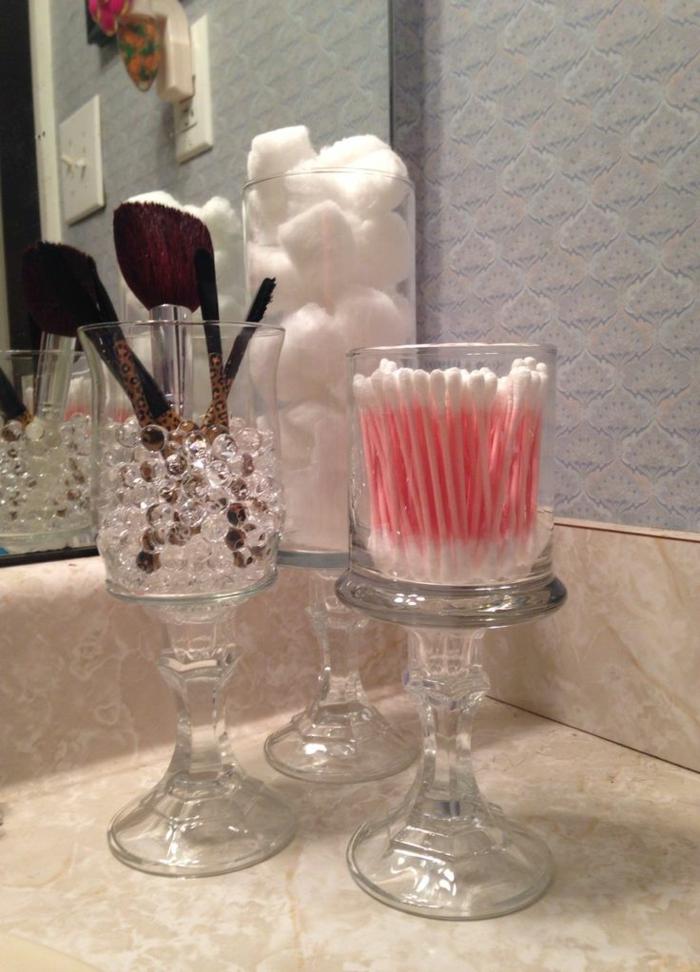 Verre-bonbonnière-idée-creative-pour-la-déco-pot-en-verre-décoration-salle-de-bain