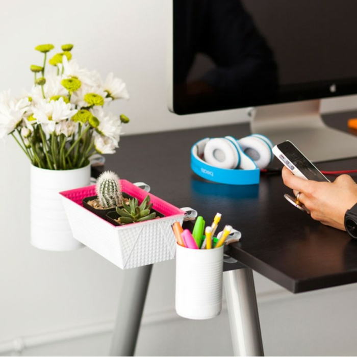 aménagement-de-bureau-être-prets-pour-la-rentrée-scolaire-septembre-2015-fleurs-vase-bureau-resized