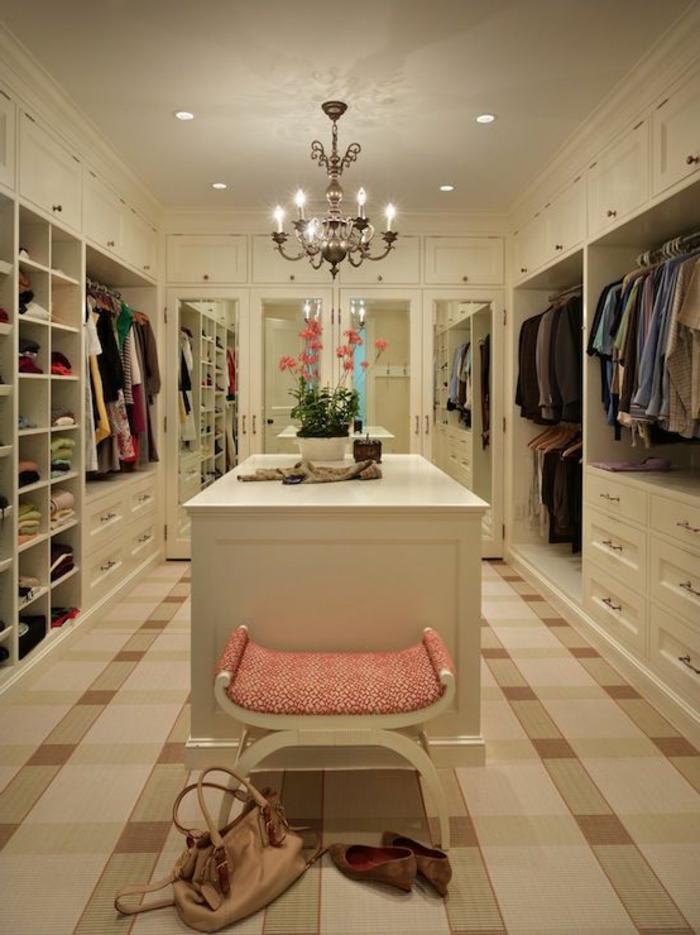 aménager-un-dressing-dressing-luxueux-en-blanc