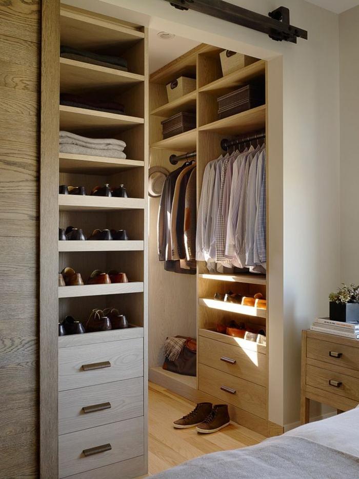 aménager-un-dressing-cosy-et-compact