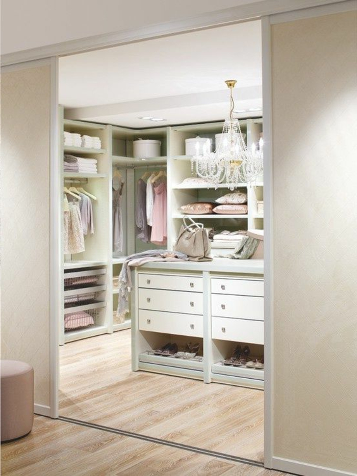 installer un dressing dans une chambre excellent armoire dressing chambre with installer un. Black Bedroom Furniture Sets. Home Design Ideas